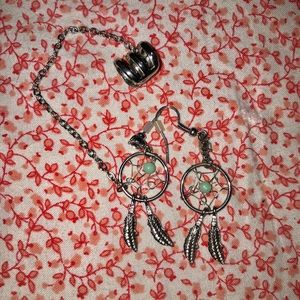 Hot Topic Dream Catcher cuff Earrings